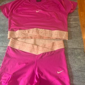 Hot pink never worn Nike Pro Gym Outfit